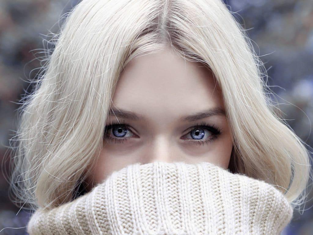 10 tips en trucs om statisch haar in de winter te voorkomen